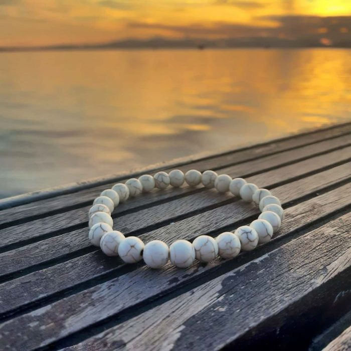 bracelet with white howlite beads