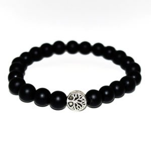 bracelet with onyx beads and metallic element