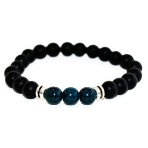 bracelet with green howlite, onyx beads and metallic elements