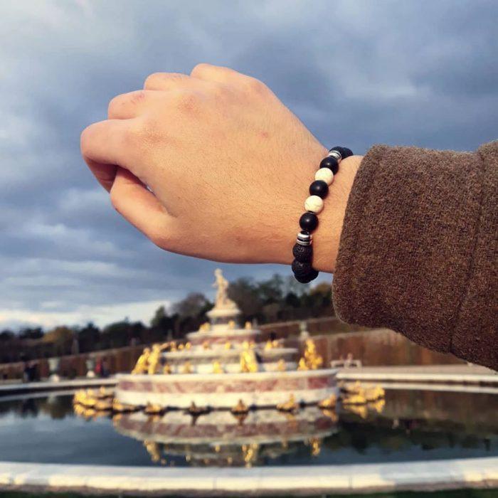 bracelet with onyx ane howlite beads